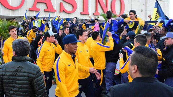 Boca llegó a la capital formoseña con sus principales figuras para medir a Santamarina.